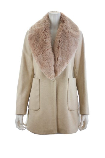 Item - Ivory Basic with Faux X-large Coat Size 16 (XL, Plus 0x)