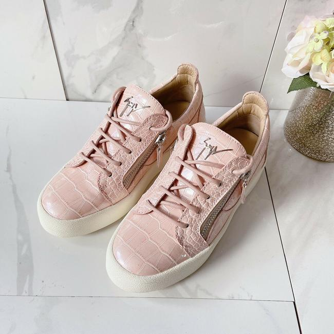 Item - Pink Fashion Sneakers Athletic Size US 7.5 Regular (M, B)