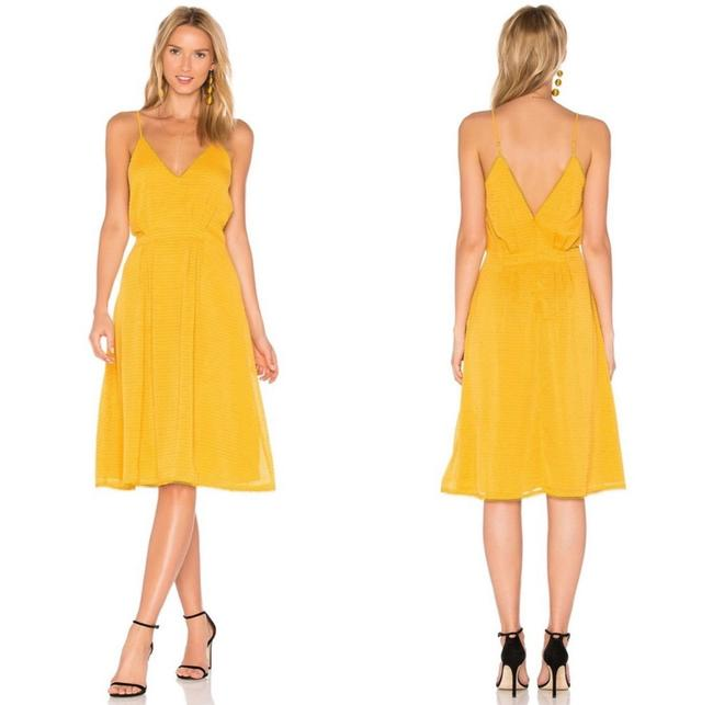 Item - Yellow X Revolve Mustard Ines Mid-length Cocktail Dress Size 2 (XS)