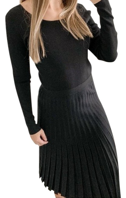 Item - Black Sweater Knit Pleated In Long Casual Maxi Dress Size 6 (S)