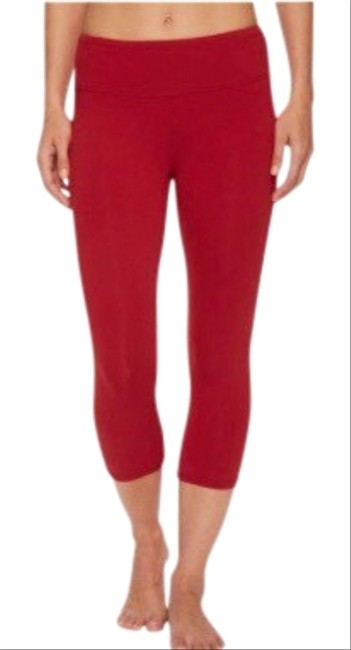 Item - Red High Waist Airbrush Capri Activewear Bottoms Size 2 (XS)