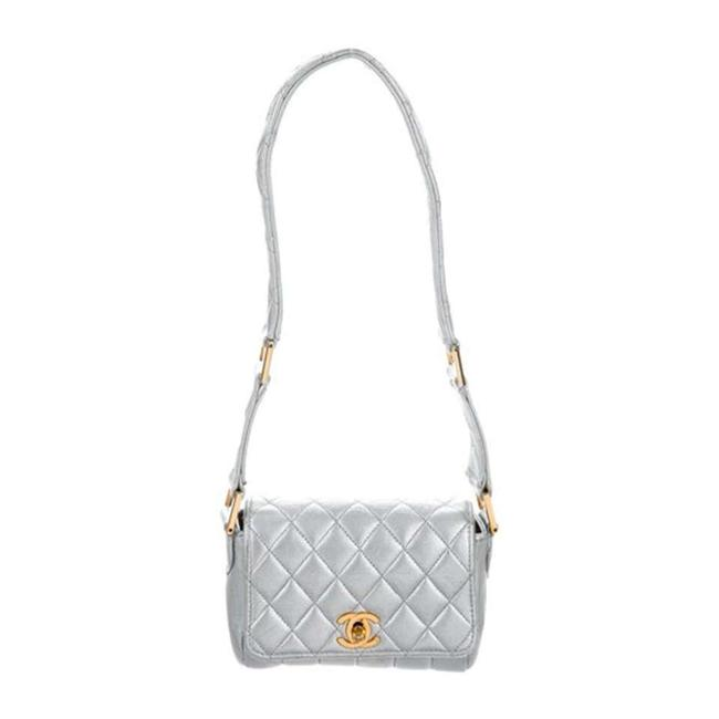 Item - Classic Flap Rare Quilted Silver Metallic Lambskin Leather Shoulder Bag