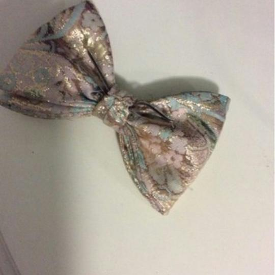 Nordstrom bow tie with clip