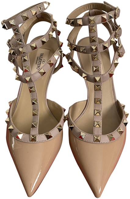 Item - Rockstud Beige Patent Poudre Nude Caged Strap Pointed Pumps Size EU 37.5 (Approx. US 7.5) Regular (M, B)