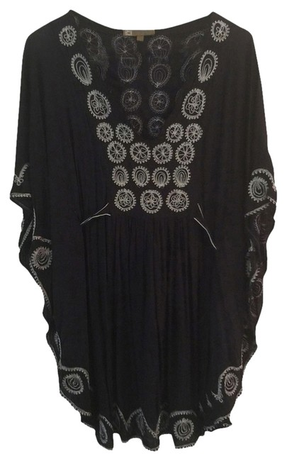 Preload https://item3.tradesy.com/images/poupette-st-barth-poupette-st-barth-tunic-2839447-0-0.jpg?width=400&height=650