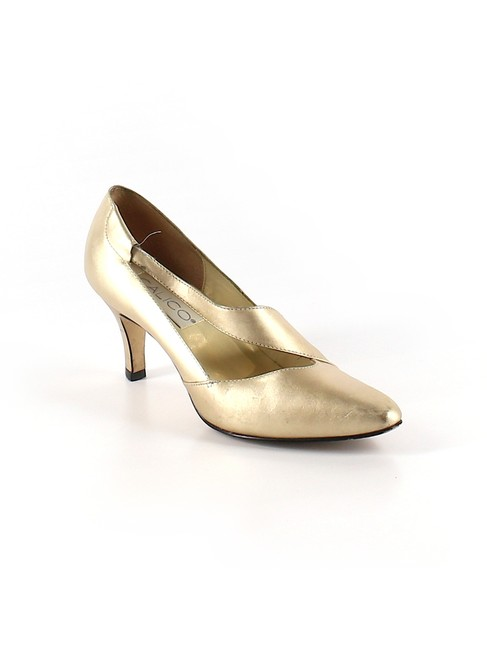 Item - Gold Almond Toe 3 Inch Party Work Casual Heels Pumps Size US 6.5 Regular (M, B)