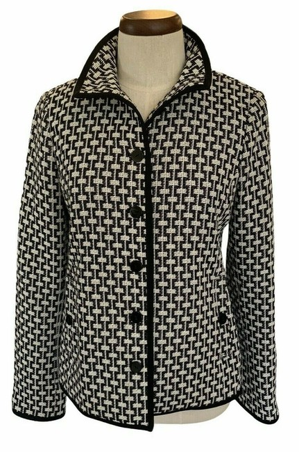 Item - Black & White Geo Print Woven- Button Front Collard Jack Button-down Top Size 4 (S)