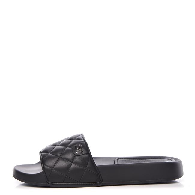 Chanel Black Lambskin Quilted Cc Mules Sandals Flats Size EU 35 (Approx. US 5) Regular (M, B) Chanel Black Lambskin Quilted Cc Mules Sandals Flats Size EU 35 (Approx. US 5) Regular (M, B) Image 1