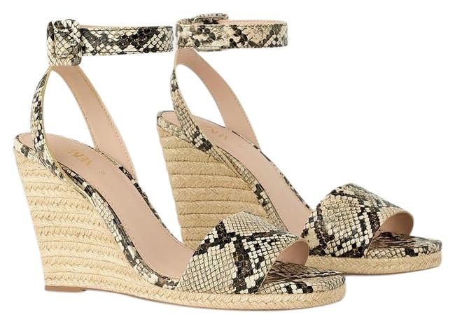 Item - Beige W Animal Snakeskin Print W/ Ankle Strap 7.5/38 New Wedges Size US 7.5 Regular (M, B)