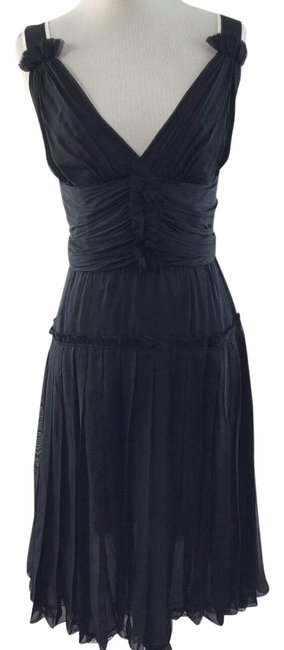 Preload https://item1.tradesy.com/images/dolce-and-gabbana-black-v-neck-pleated-above-knee-cocktail-dress-size-2-xs-2840095-0-11.jpg?width=400&height=650
