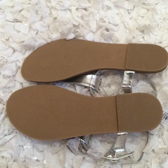 David's Bridal Silver Jeweled Bow Sandals Size US 9 Regular (M, B) David's Bridal Silver Jeweled Bow Sandals Size US 9 Regular (M, B) Image 2