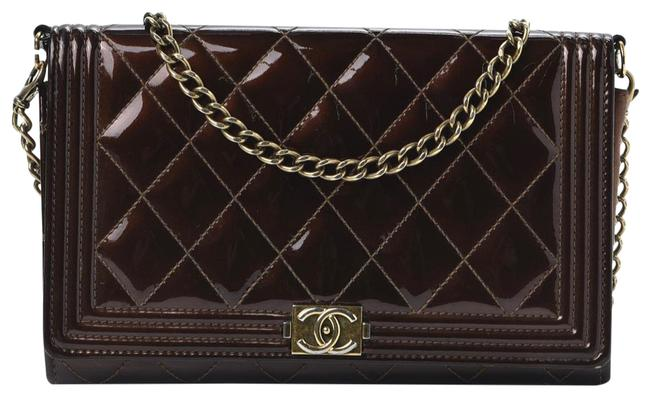 Item - Wallet on Chain Boy Calfskin Quilted Woc Brown Patent Leather Shoulder Bag
