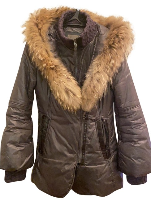 Item - Gray/Silver With Fur Trim Hood Coat Size 6 (S)