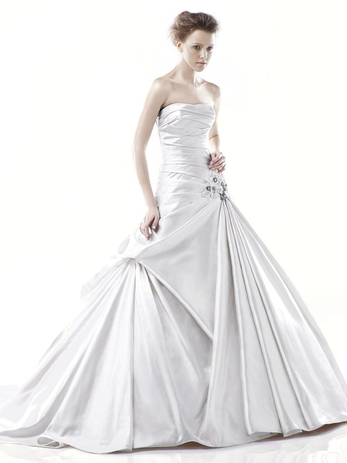 Item - Ivory Satin Delaware By Traditional Wedding Dress Size 10 (M)