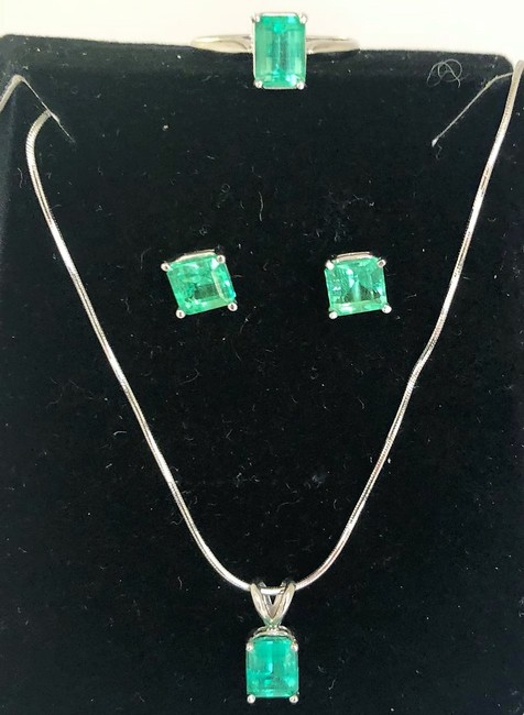 Item - Green 5ct About Natural Colombian Emerald 14k W/G Jewelry Set