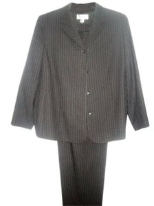 Casual Corner GRAY PIN STRIPED WOOL PANTSUIT