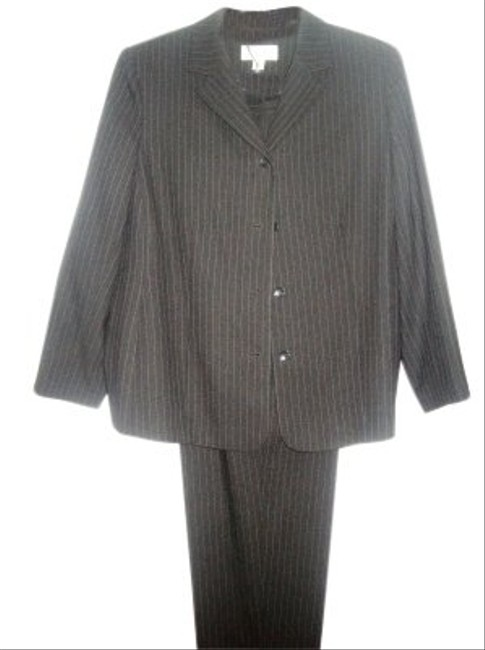 Preload https://img-static.tradesy.com/item/28410/casual-corner-gray-pin-striped-wool-pant-suit-size-16-xl-plus-0x-0-0-650-650.jpg