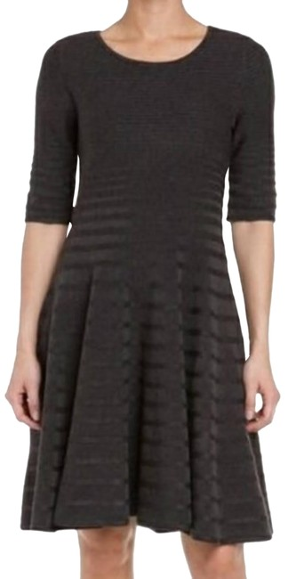 Item - Charcoal Gray Ribbed Mid-length Cocktail Dress Size 10 (M)