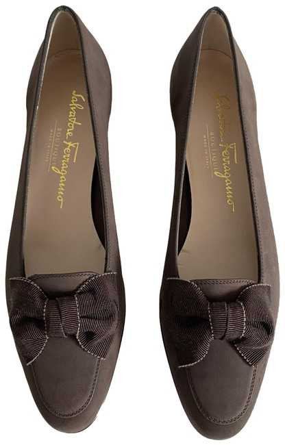 Item - Brown Bow Pumps Size US 7 Narrow (Aa, N)