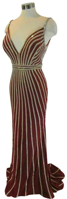 Item - Burgundy Jersey 45898 Crystal Stripe Padded Gown Long Formal Dress Size 10 (M)