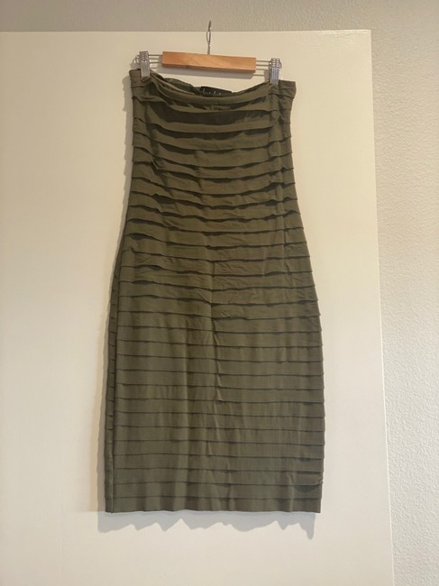 Item - Green Strapless Mid-length Short Casual Dress Size 4 (S)