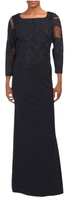 Item - Embroidered Long Formal Dress Size 4 (S)