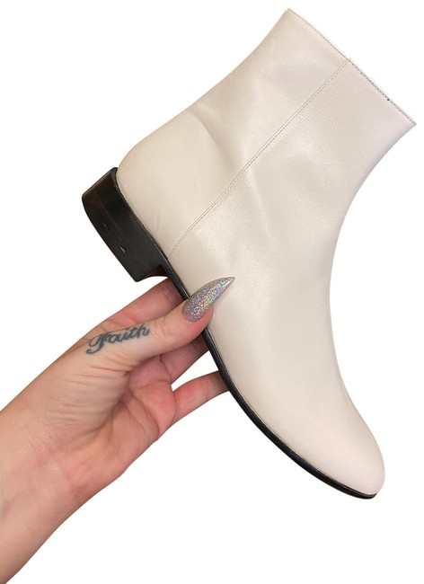 Item - White Leather Ankle Boots/Booties Size EU 36.5 (Approx. US 6.5) Regular (M, B)