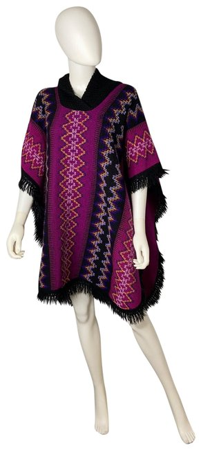 Item - Native Mexican Poncho/Cape Size OS (one size)