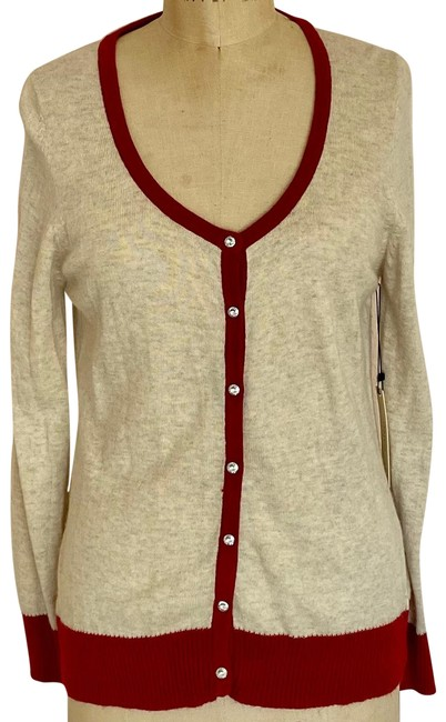 Item - With Lots Of Detail Cream & Red Sweater
