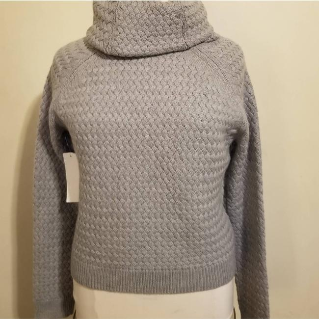 Item - Size Large. Gray Sweater