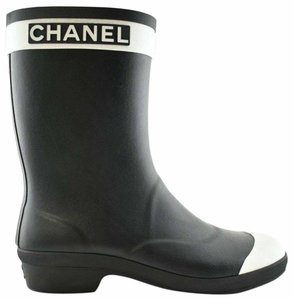 Item - Black 19a White Cc Logo Short Mid Calf Pull On Rubber Rain Boots/Booties
