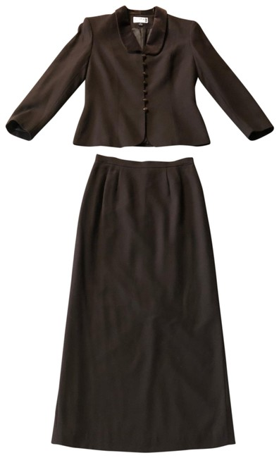 Item - Brown Skirt Suit Size 6 (S)
