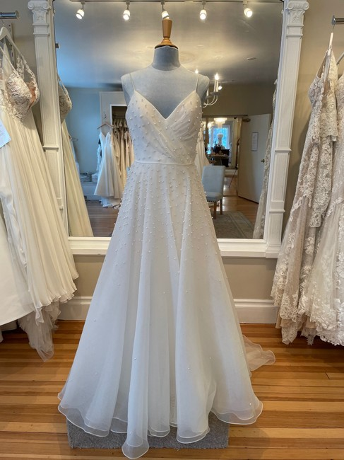 Item - Ivory Presley Formal Wedding Dress Size 8 (M)
