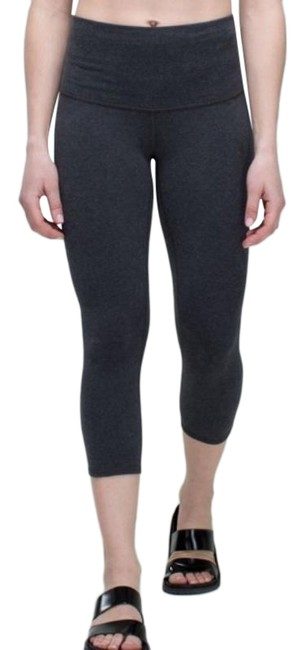 Item - Gray Wunder Under (Roll Down) Cotton In Heathered Black Activewear Bottoms Size 6 (S, 28)