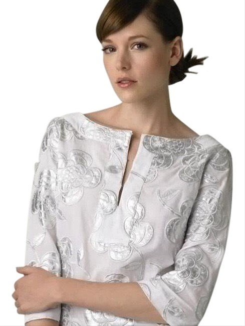 Item - White/ Silver Rochelle Floral Embroidery Tunic Size 2 (XS)