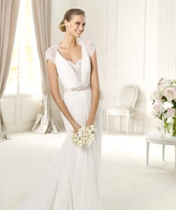 Pronovias Urbinas Wedding Dress
