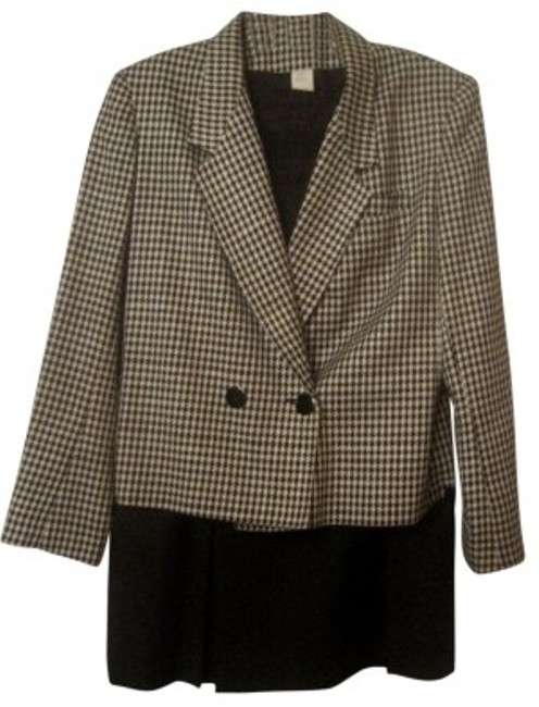 Preload https://img-static.tradesy.com/item/28455/michelle-stuart-houndstooth-w-front-pleated-skirt-suit-size-10-m-0-0-650-650.jpg