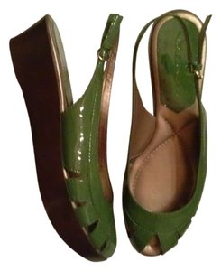 Bandolino Forest Sandals Open Toe 2 Inch Green Platforms