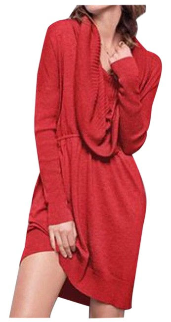 Item - Red Tunic Size 6 (S)