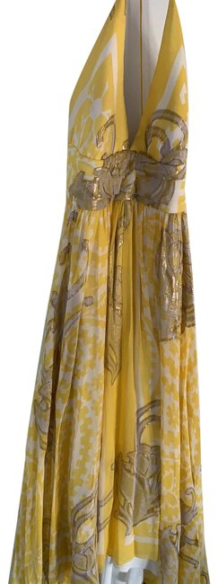 Item - Yellow Gold White Mid-length Formal Dress Size 4 (S)