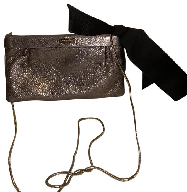 Item - Small Cross Body Silver Leather Shoulder Bag