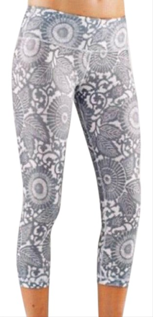 Item - Grey/Off White Floral Activewear Bottoms Size 6 (S)