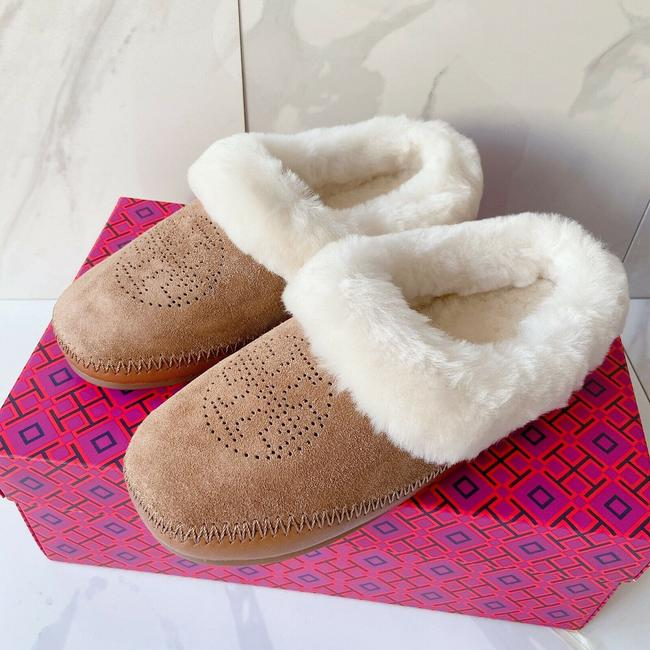 Item - Tan Brown Perforated Logo Flat Shearling Slippers Natural S Mules/Slides Size US 8 Regular (M, B)
