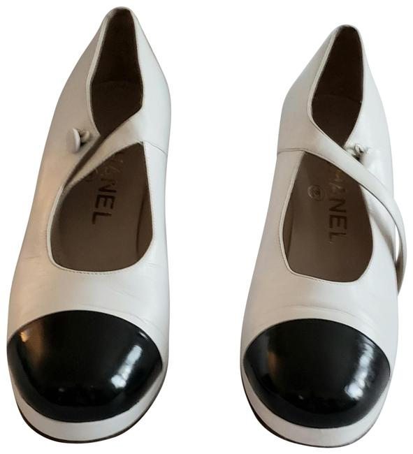 Item - White & Black And Leather Mary Jane Pumps Size EU 35 (Approx. US 5) Regular (M, B)