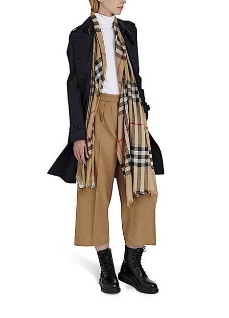 Item - Multi with Tag Lightweight Check Wool and Silk Scarf/Wrap