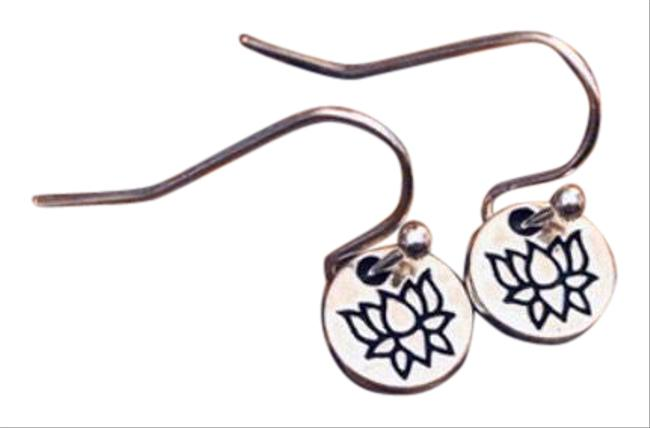 Item - Silver Lotus Stamped Earrings