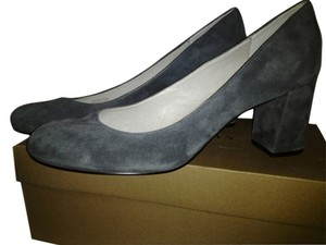 Bettye Miller gray Pumps