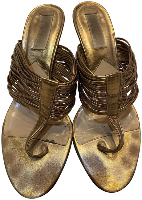 Item - Gold Kitten Heel Sandals Size US 8.5 Regular (M, B)