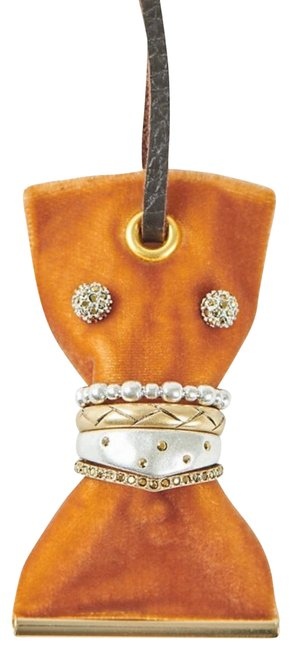 Item - Gold Earring and Set Size 7 Ring