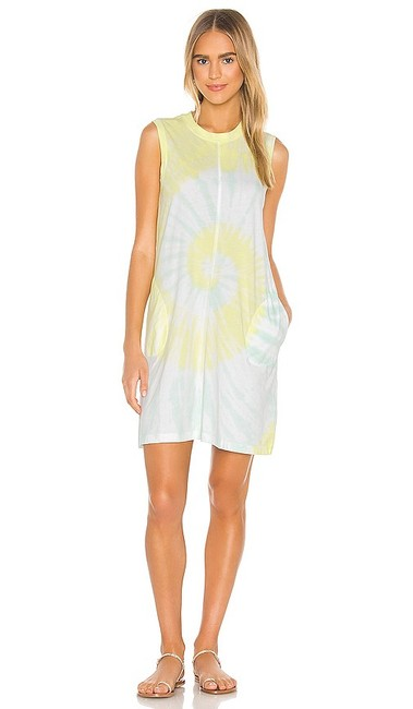 Item - Blue and Yellow New * * Tie Dye T-shirt Short Casual Dress Size 6 (S)